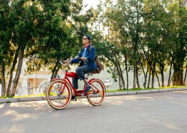 vélo rouge femme